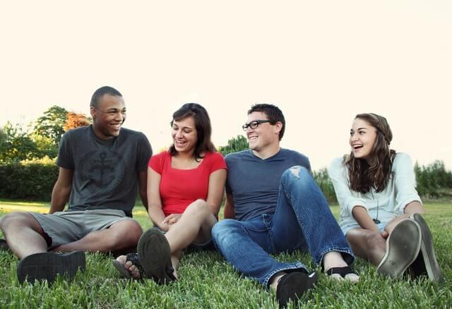 Amizades que você não pode levar para o futuro se quiser reconquistar!
